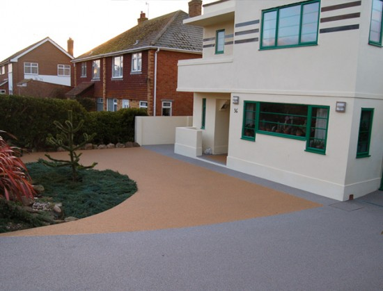 Clearstone installs resin drive for Art Deco period home