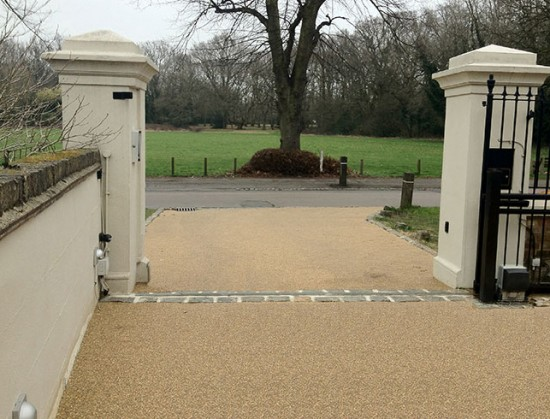 Barns Green permeable driveway