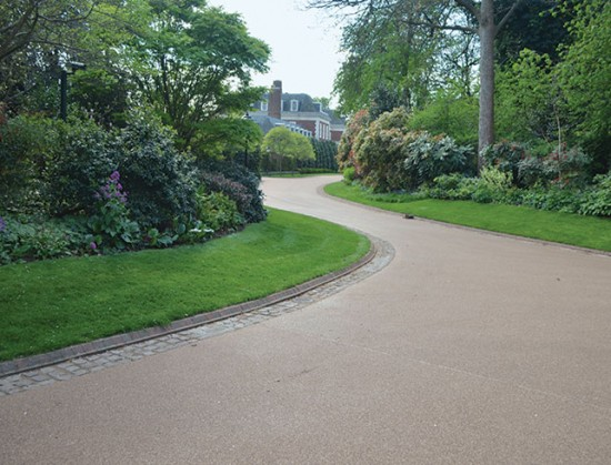 Driveway ideas UK at Winfield House