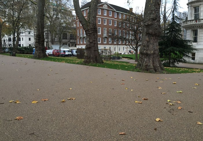 Middle-Temple-Adjoining-Resin-Bound-Pathway-picture
