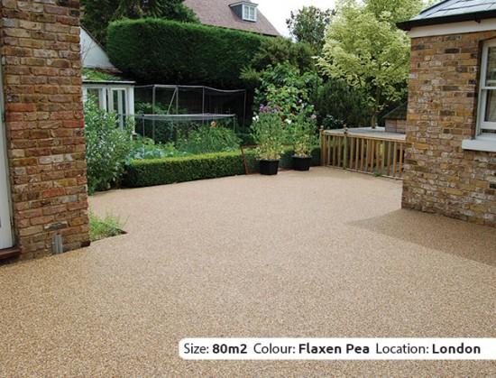 Resin Bound Driveway in Flaxen Pea colour, Richamond, Surrey by Clearstone