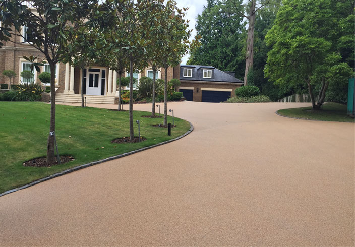 Resin Bound Gravel Driveway in Chesil colour, Weybridge, Surrey installed Clearstone