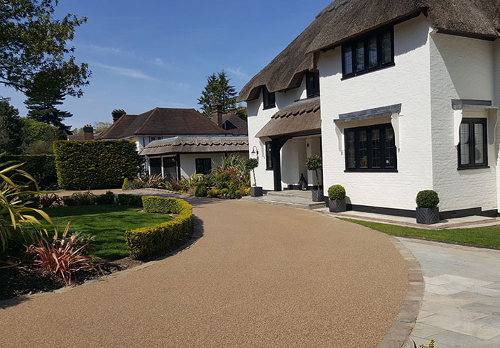 Resin Bound Gravel Driveway in Flaxen Pea colour, Orpington, Kent installed by Clearstone