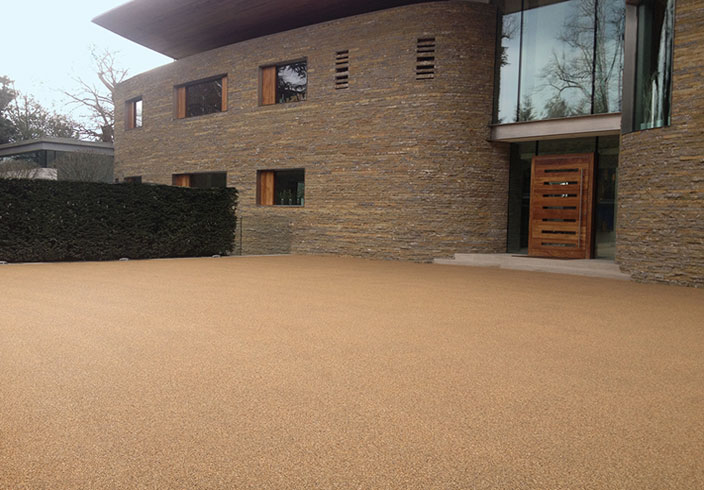 Resin Bound Gravel Driveway in Chesil colour, Stanmore, Gt. London installed by Clearstone