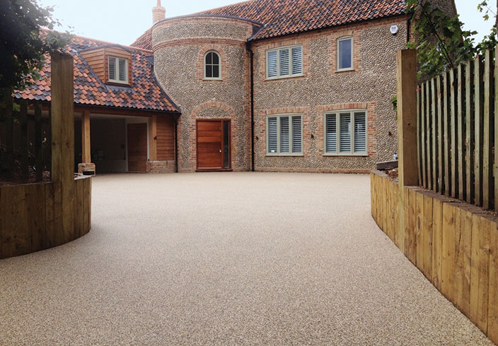 Resin Bound Gravel Driveway in Spruce colour, Burnham Market , Norfolk installed by Clearstone