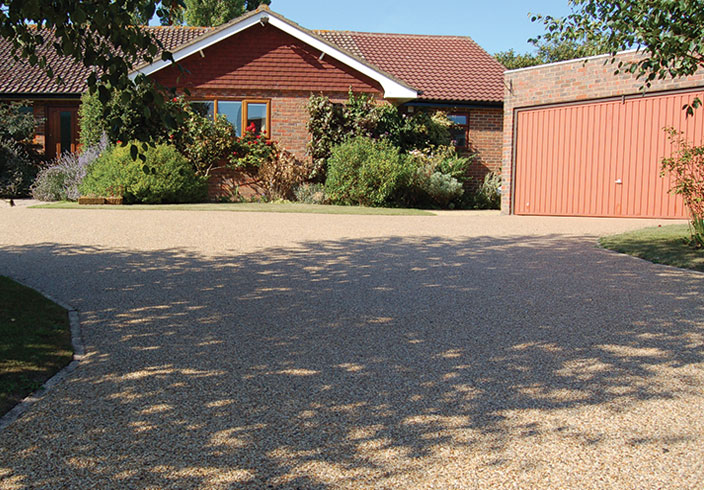 Resin Bound Gravel Driveway in Flaxen Pea colour, East Farleigh, Kent installed by Clearstone