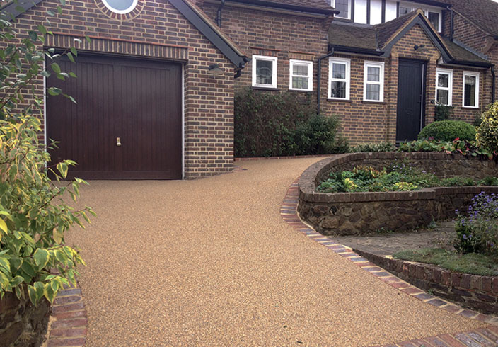 Resin Bound Gravel Driveway in Bronze Trio colour, Reigate, Surrey installed by Clearstone