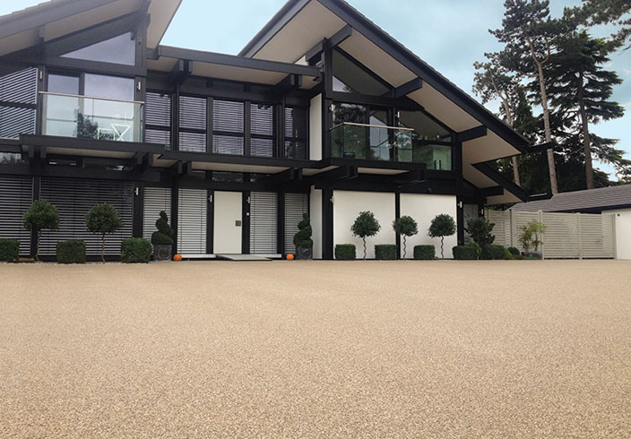 Resin Bound Gravel Driveway in Spruce colour, Fetcham, Surrey installed by Clearstone