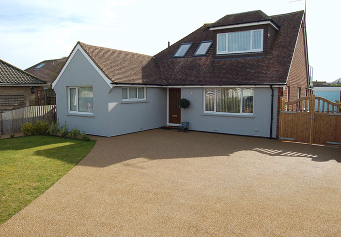 Resin Bound Gravel Driveway in Flaxen Pea colour, Shoreham-by-Sea, Sussex installed by Clearstone