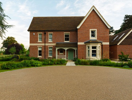 Resin bound gravel driveway in Flaxen Pea, Wheathampstead