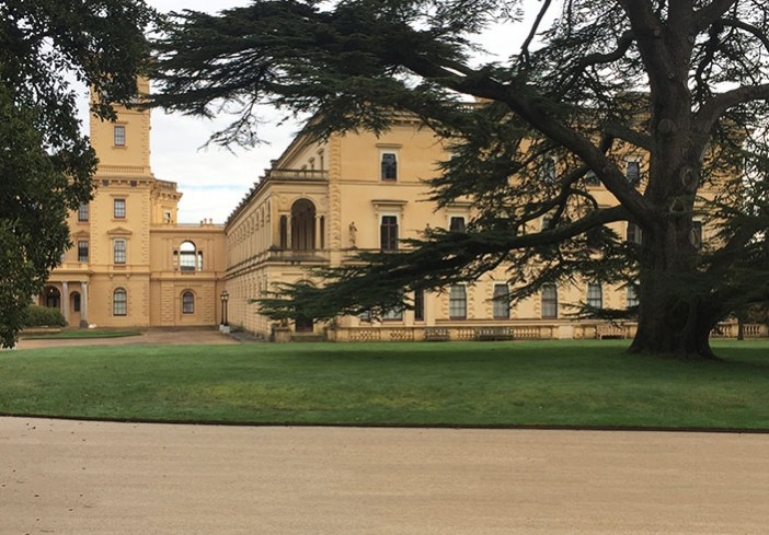Resin bound roadway in Mocha at Osborne House for English Heritage