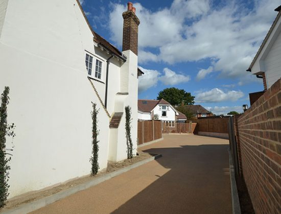 Resin bound roadway in Chesil installed by Clearstone for Sussex development